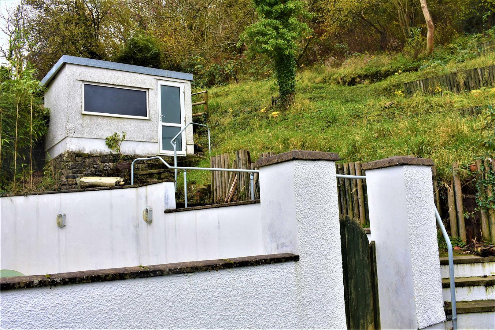 Castle Road, Mumbles, Swansea, SA3 5TF